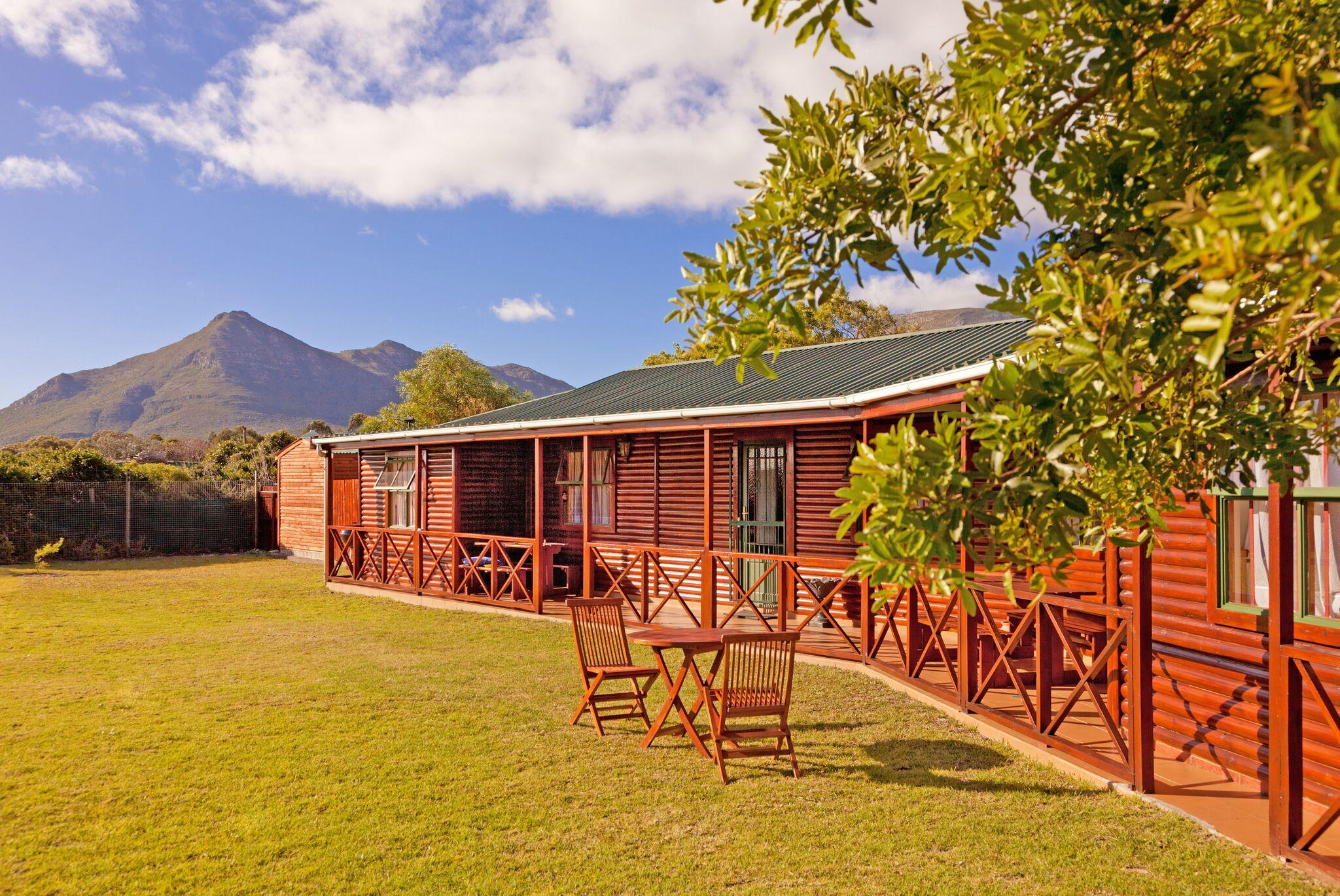 affordable cape town self catering accommodation in noordhoek